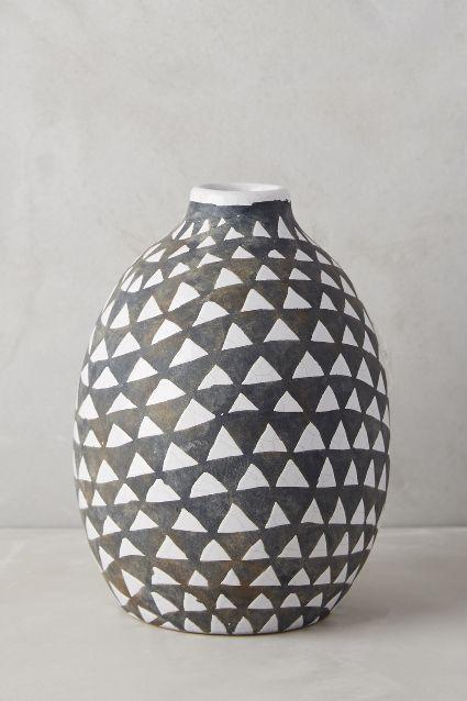 Sambaya Black And White Vase