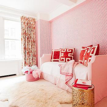 White And Pink Quatrefoil Wallpaper Design Ideas