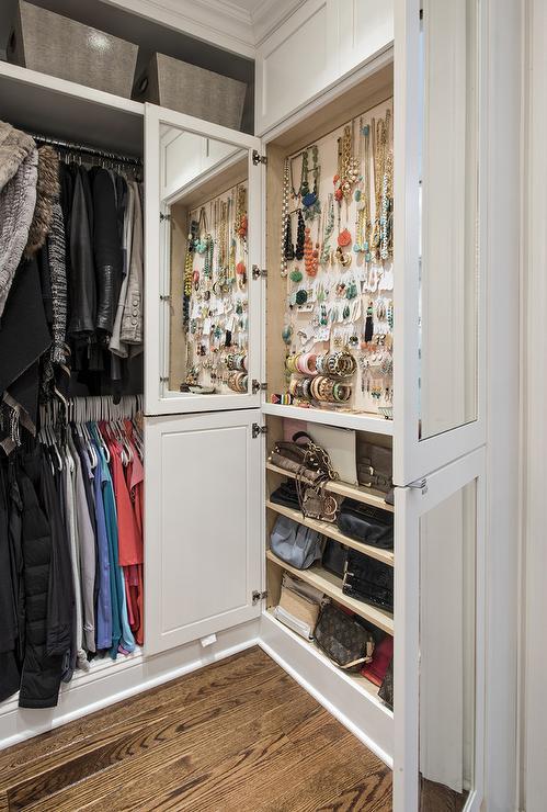 Fashion Accessories Closet