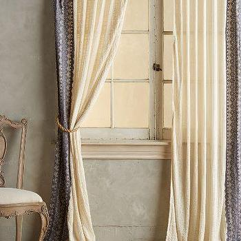Clara Curtain