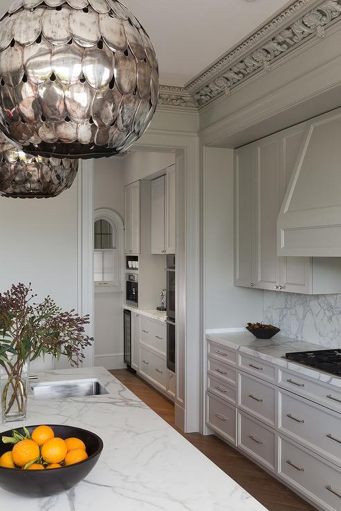 Kitchen Ornate Crown Moldings Design Ideas
