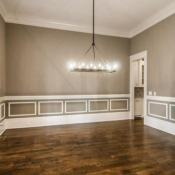 Attirant Gray Dining Room With White Wainscoting