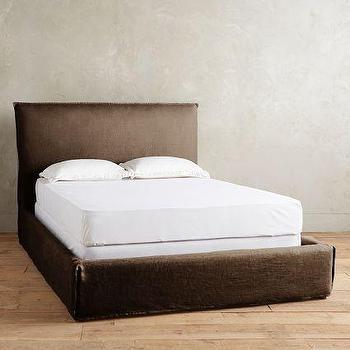 Belgian Linen Carlier Slipcover Bed