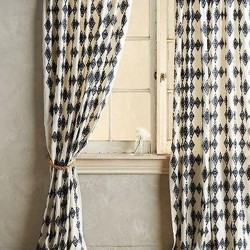 Tumbling Diamonds Curtain