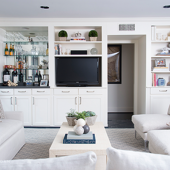 https://cdn.decorpad.com/photos/2015/04/26/m_living-room-built-in-tv-cabinet-bar-mirrored-backsplash-ivory-coffee-table.png