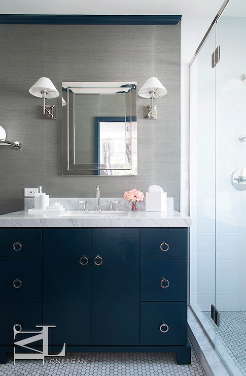 Grey and blue bathroom decor for Blue and gray bathroom accessories