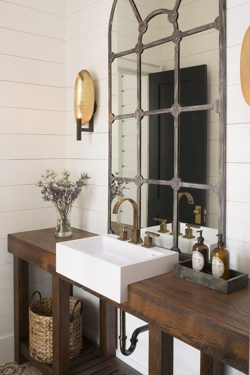 Rustic washstand with apron sink cottage bathroom - Salle de bain rustique chic ...