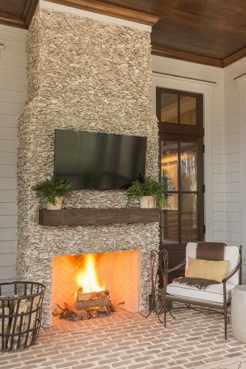 covered patio fireplace with flatscreen tv transitional deck patio. Black Bedroom Furniture Sets. Home Design Ideas