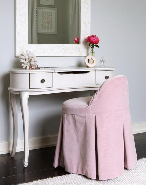 Maxine Bedroom Vanity Chair Design Ideas