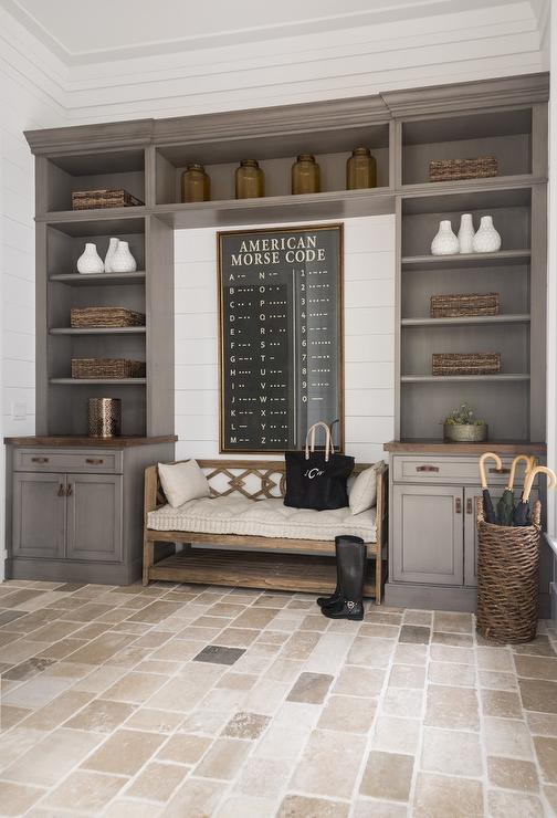 Freestanding mudroom bench design ideas for Mudroom layout