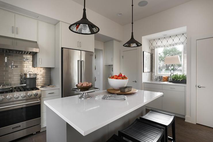 Transitional Kitchen Cabinet Hardware
