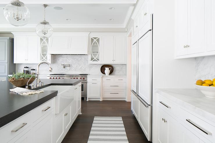 White Shaker Cabinets With Gray And White Marble Slab