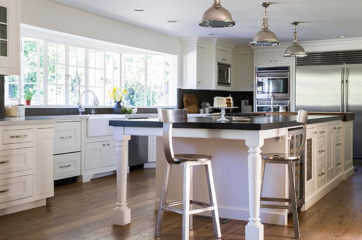 Cream Kitchen Island Black Counter Design Ideas