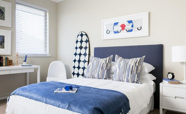 White and blue teen boys bedrooms contemporary boy 39 s room for Blue and white boys room