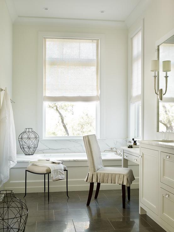 U Shaped Bathroom Vanity With Ivory Cabinets