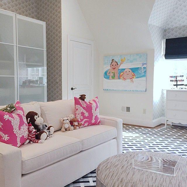 Charmant Girls Room With Sofa