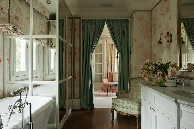 Pink Shabby Chic Bathrooms