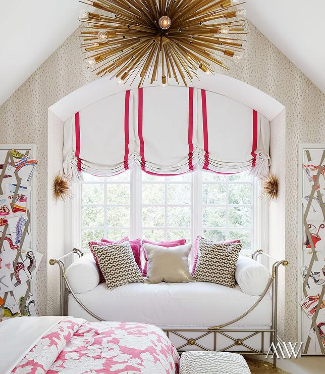 Arched Window Seat Nook Filled With Daybed Contemporary
