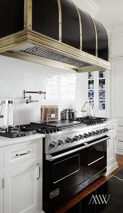 Black Viking Range Transitional Kitchen