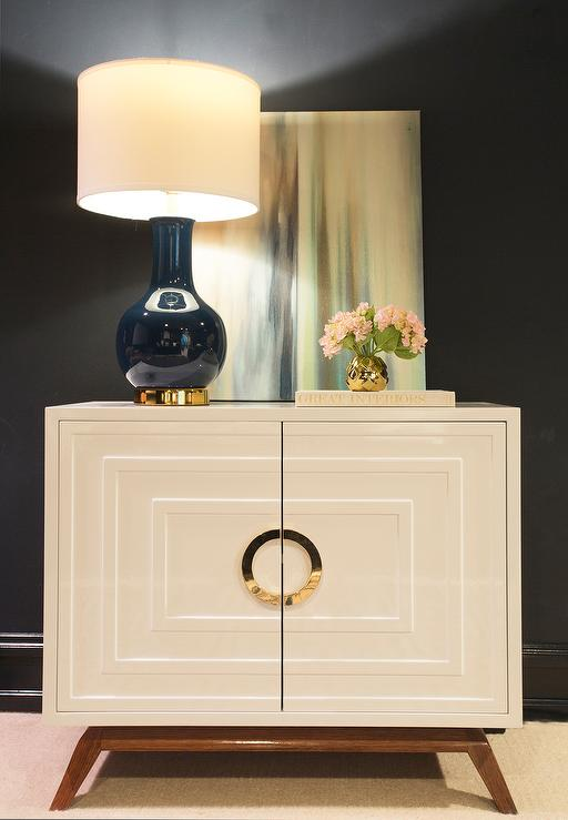 Modern Foyer Cabinet : Concentric cabinet design ideas