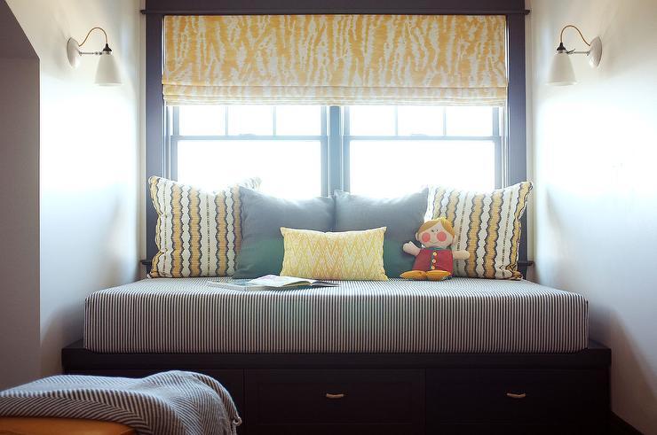 Rice paper lantern kids bedroom window seat design ideas for Bedroom designs with window seat