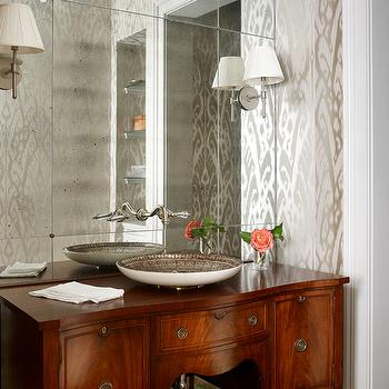 Romantic Bathroom With Mirrored Accent Wall