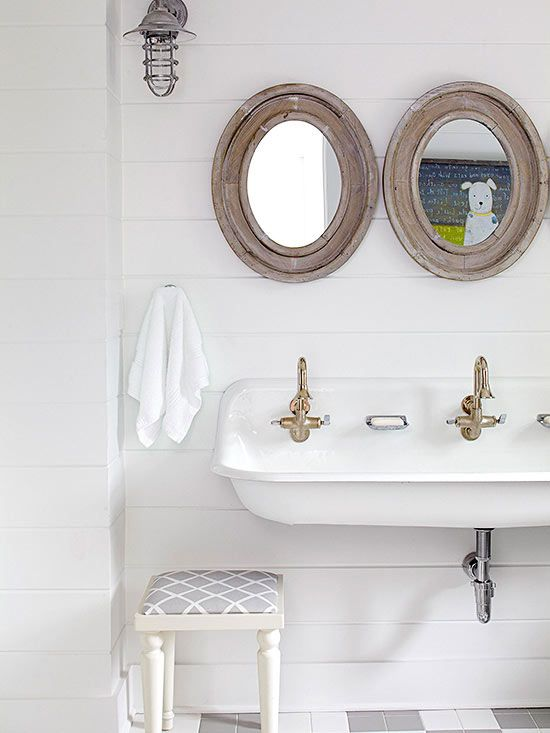 Kids Bathroom Shiplap Walls Design Ideas