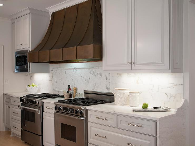Subway Herringbone Cooktop Backsplash Design Ideas