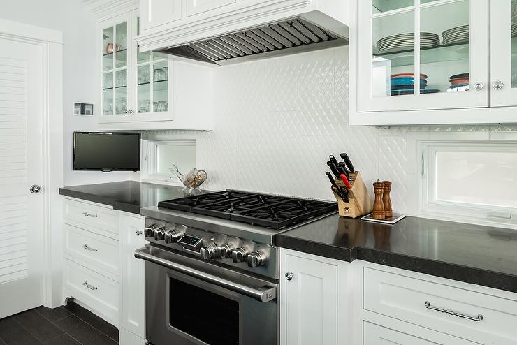 Diamond Pattern Backsplash Design Ideas