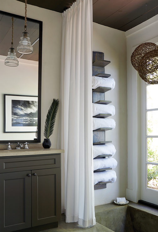 Lake House Bathroom With Vertical Towel Rack Cottage