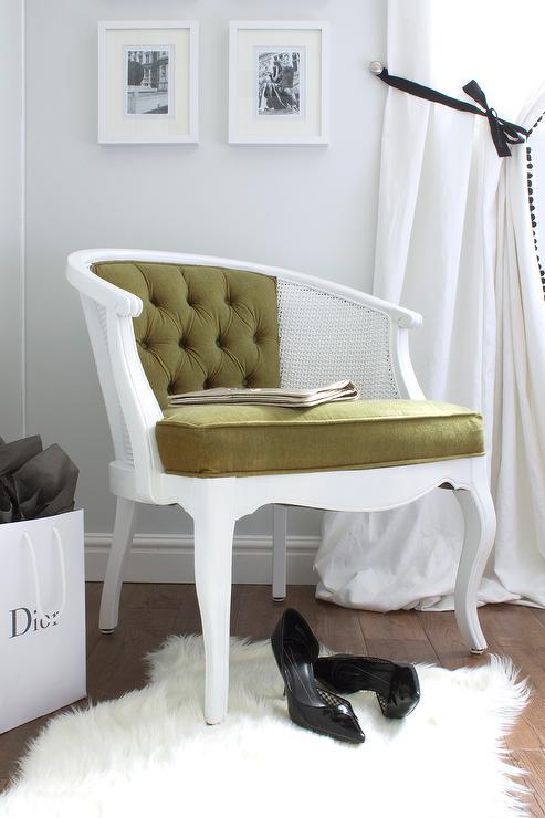 olive green velvet tufted chair