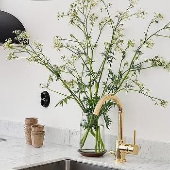 Brass Kitchen Faucet Design Ideas