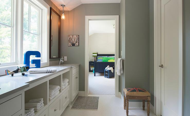 How To Remodel A Jack And Jill Bathroom : Jack and jill bathroom design transitional