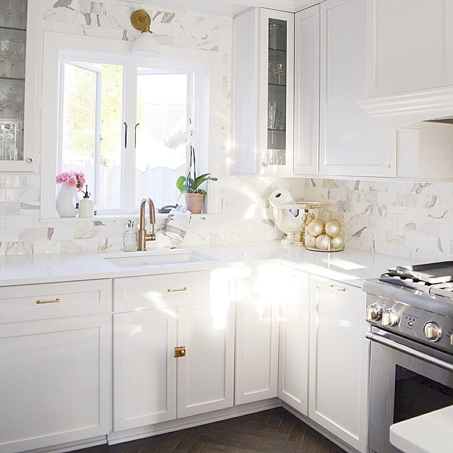 White Shaker Cabinets With White Marble Subway Tiles