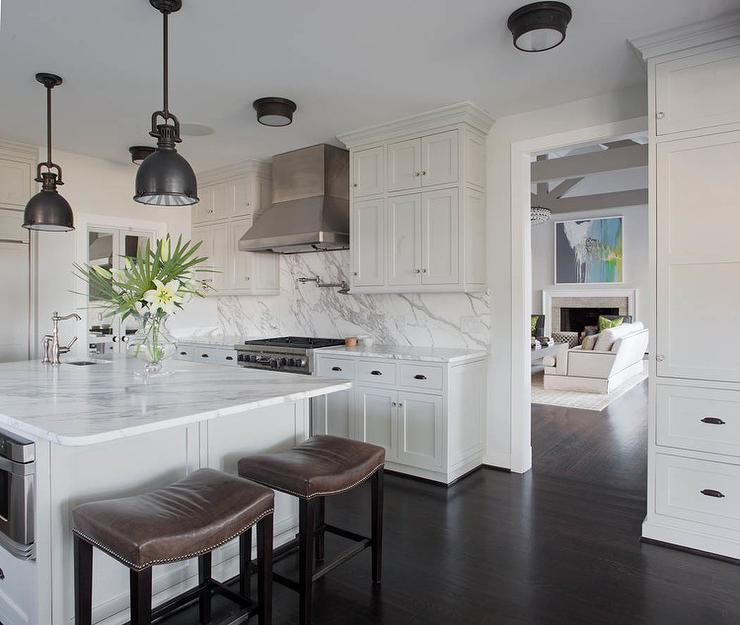 Genial Fabulous Kitchen Features A Pair Of Chart House Mini Yoke Pendants In  Bronze Suspended Over A Square Center Island Topped With White Marble  Fitted With A ...