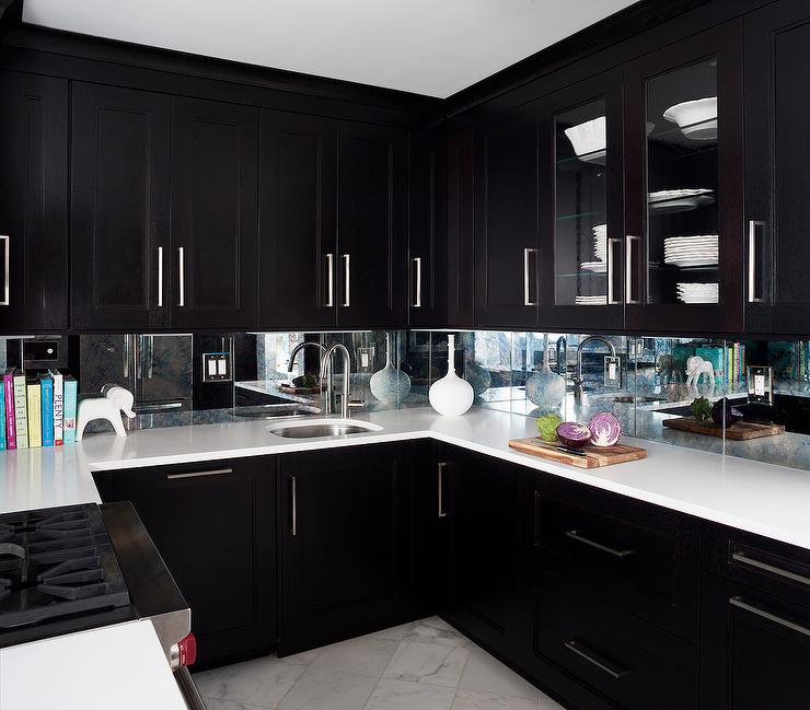 Espresso kitchen cabinets with mirrored backsplash for Kitchen designs espresso cabinets