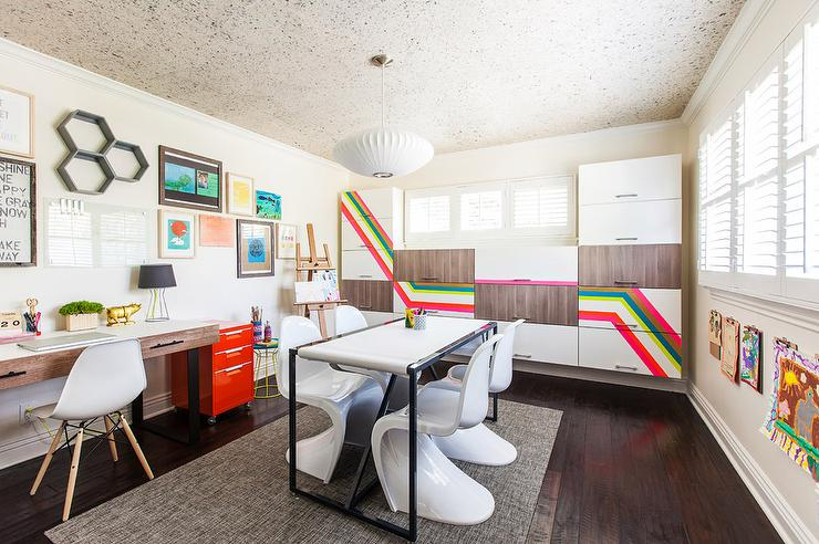 Contemporary And Eclectic Kids Homework Room