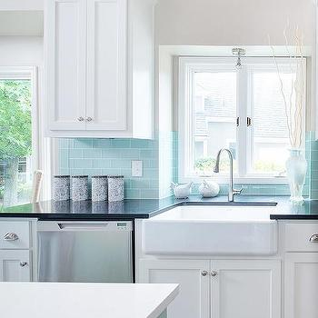 Tiffany blue subway tile backsplash for Tiffany blue kitchen ideas