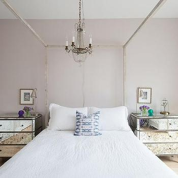 Exceptionnel Canopy Bed With Antiqued Mirrored Nightstands