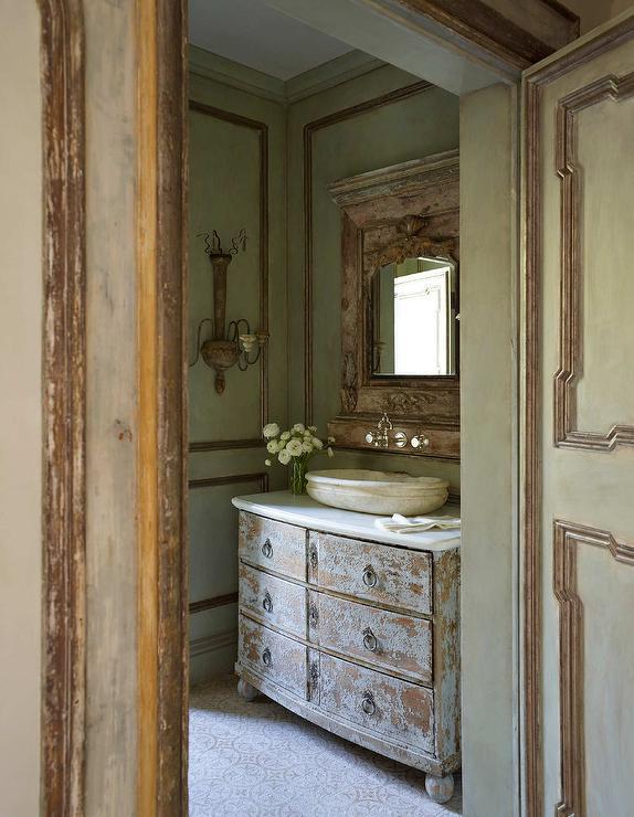 French Provincial Living Room Design Ideas