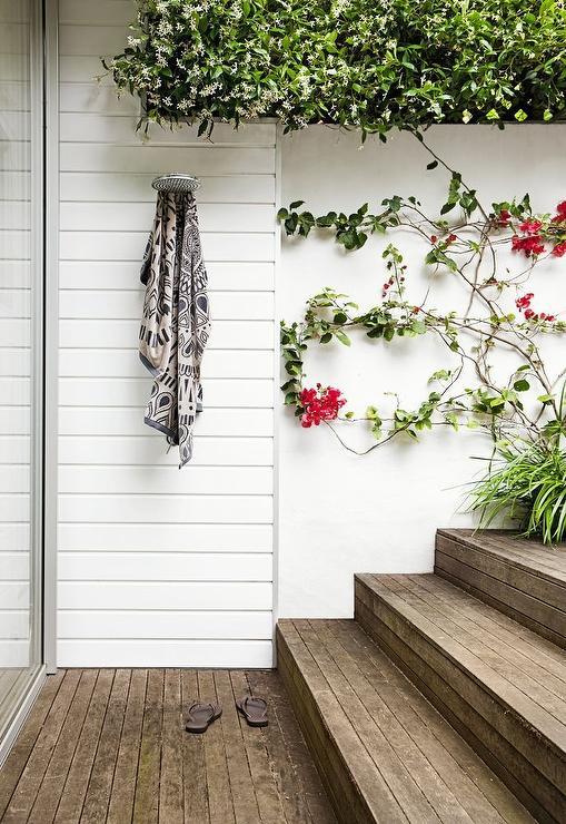 Outdoor Shower Ideas - Transitional - Deck/patio