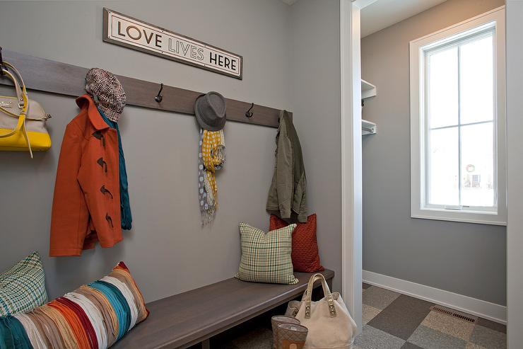 Awesome Gray Mudroom With Wood Bench Transitional Laundry Room Inzonedesignstudio Interior Chair Design Inzonedesignstudiocom