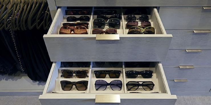 Attrayant Monique Lhuillier   Beautiful Walk In Closet Features Built In Stacked  Drawers Fitted With Sunglass Compartments.