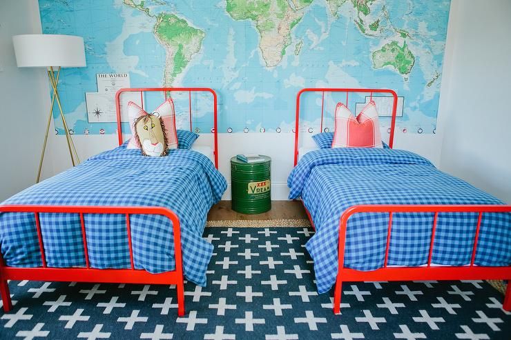 Red And Blue Kids Bedroom Design