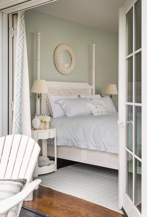 Paint gallery sherwin williams sea salt paint colors for Sea green bedroom designs