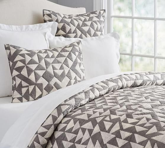 Triangle Print Quilt And Sham In White And Grey