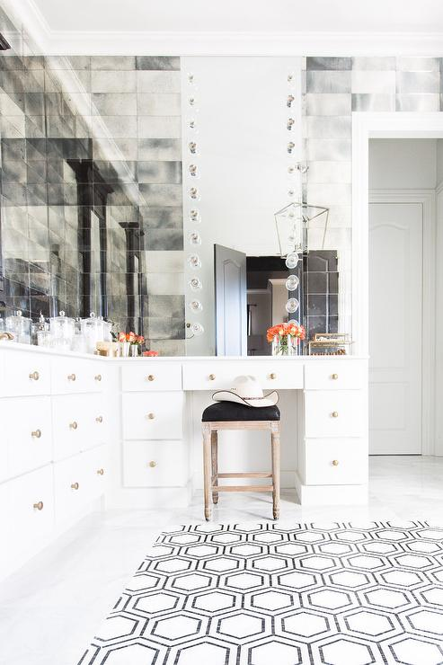Antiqued Mirrored Bathroom Backsplash Tiles