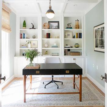 Delicieux Home Office With Wall Of Built In Bookcase