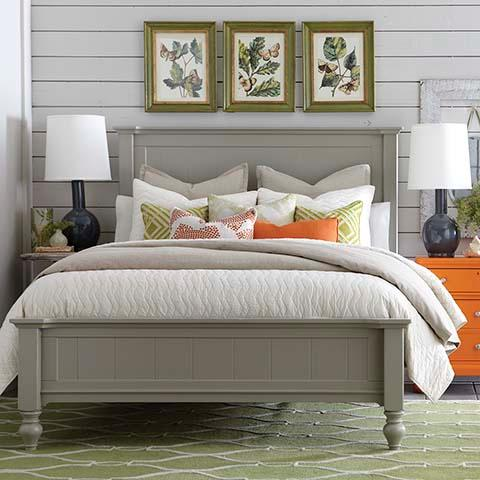 Queen Size Cottage Style Panel Bed In Grey