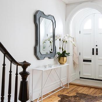 White modern foyer table design ideas